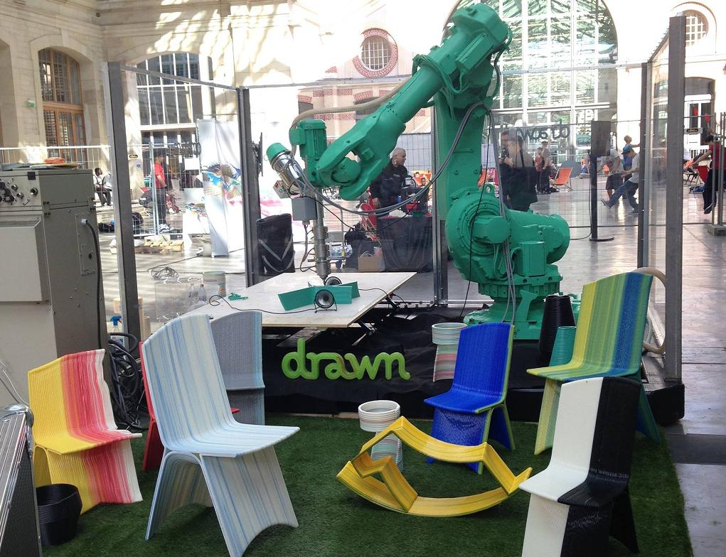 Drawn French company 3D printing robot arm