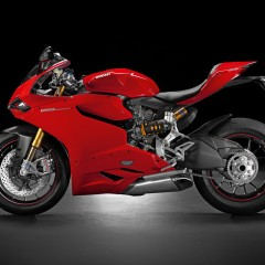 Ducati 1199 Superbike re-created in intricate 3D printed scale model by Valcrow